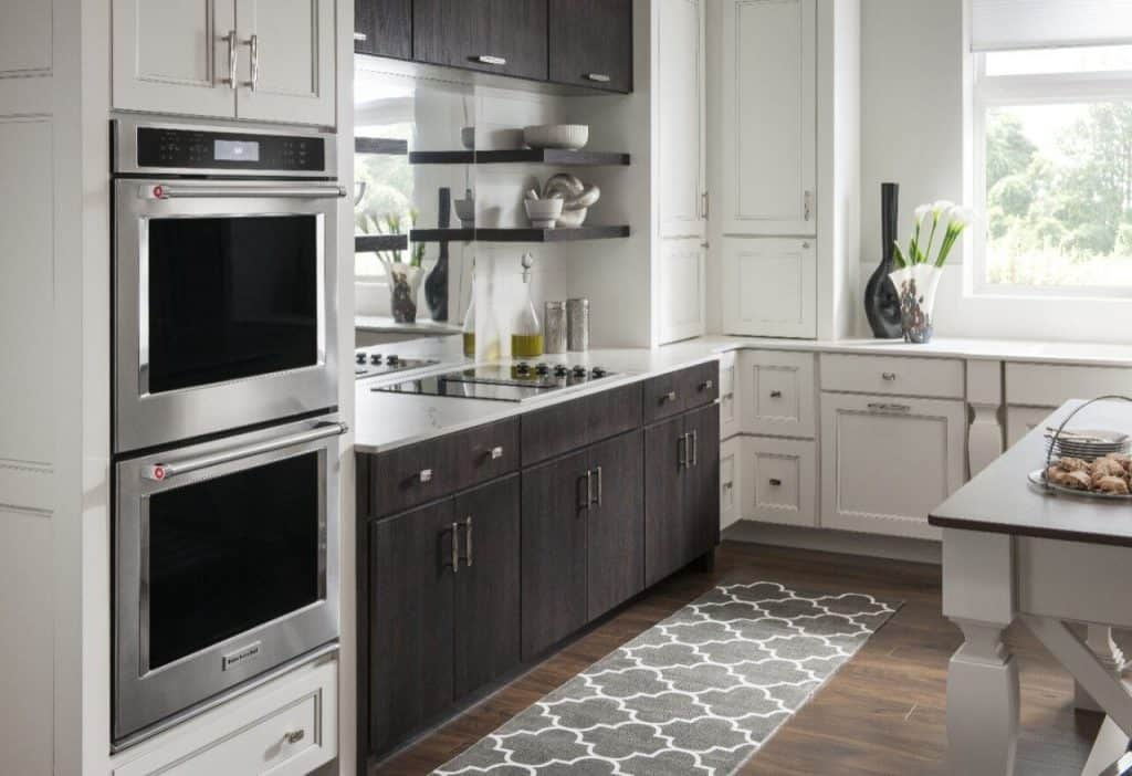 Beautiful double-oven to improve your home's aesthetics.