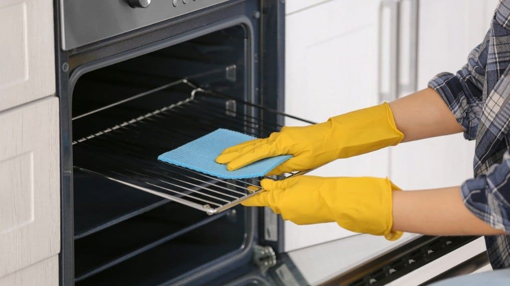Easy oven cleaning process.